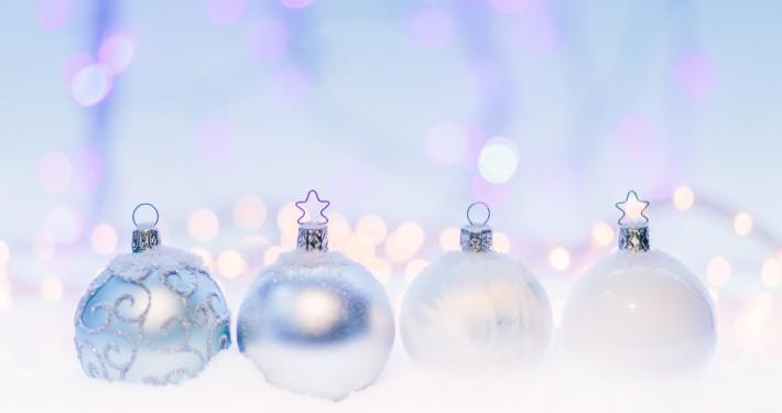 Christmas - die Viki lernt was Kugel